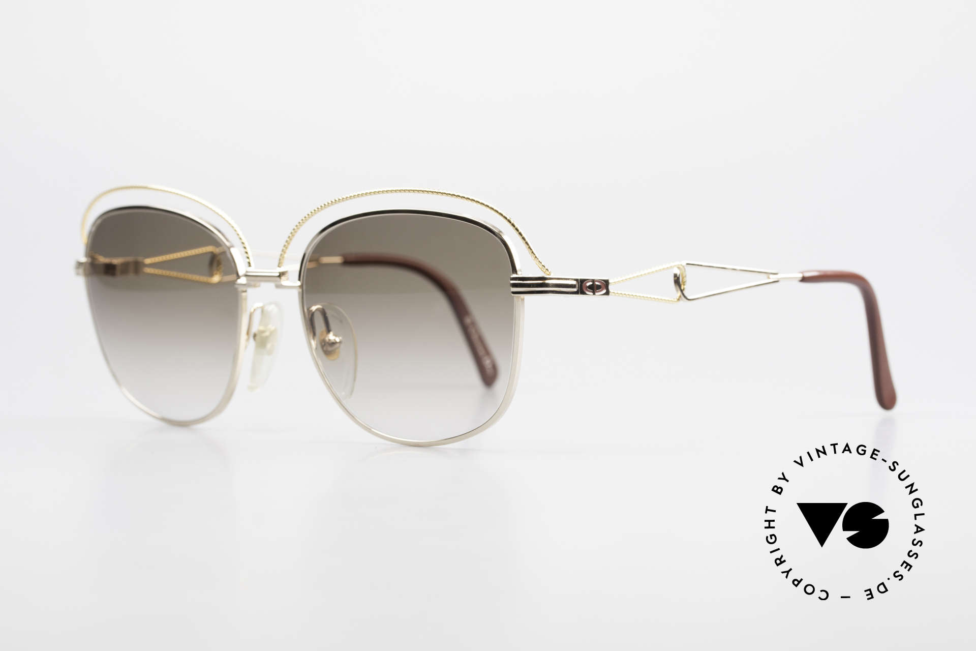 Christian Dior 2461 Ladies 80s Designer Sunglasses, exquisite framework in pretty swinging shape, Made for Women