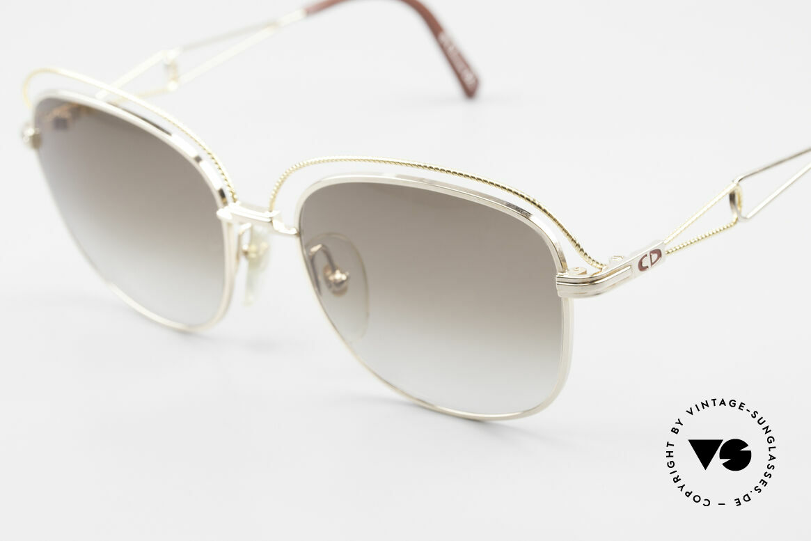 Christian Dior 2461 Ladies 80s Designer Sunglasses, the noble frame shines gold and yellow-gold, Made for Women