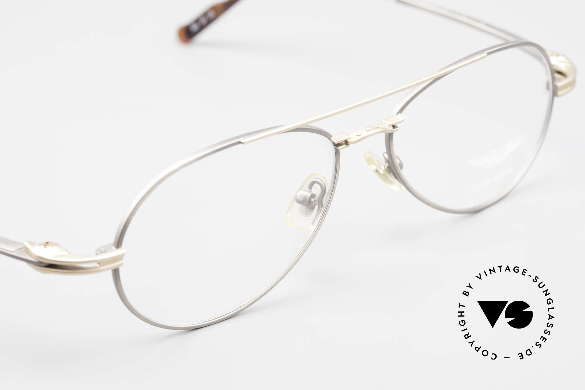 Aston Martin AM49 Titanium Glasses Aviator Style, never worn (like all our rare VINTAGE high-end frames), Made for Men