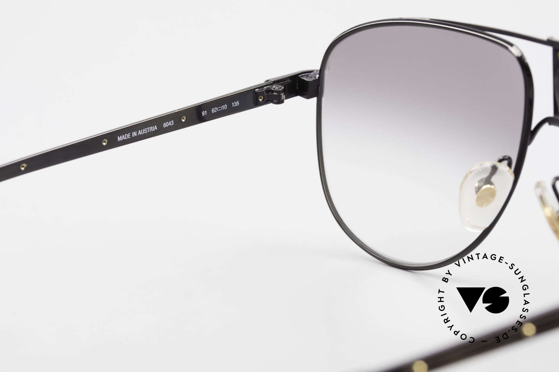 Dunhill 6043 Men's Shades With Horn Trims, new old stock (like all our Alfred Dunhill shades), Made for Men