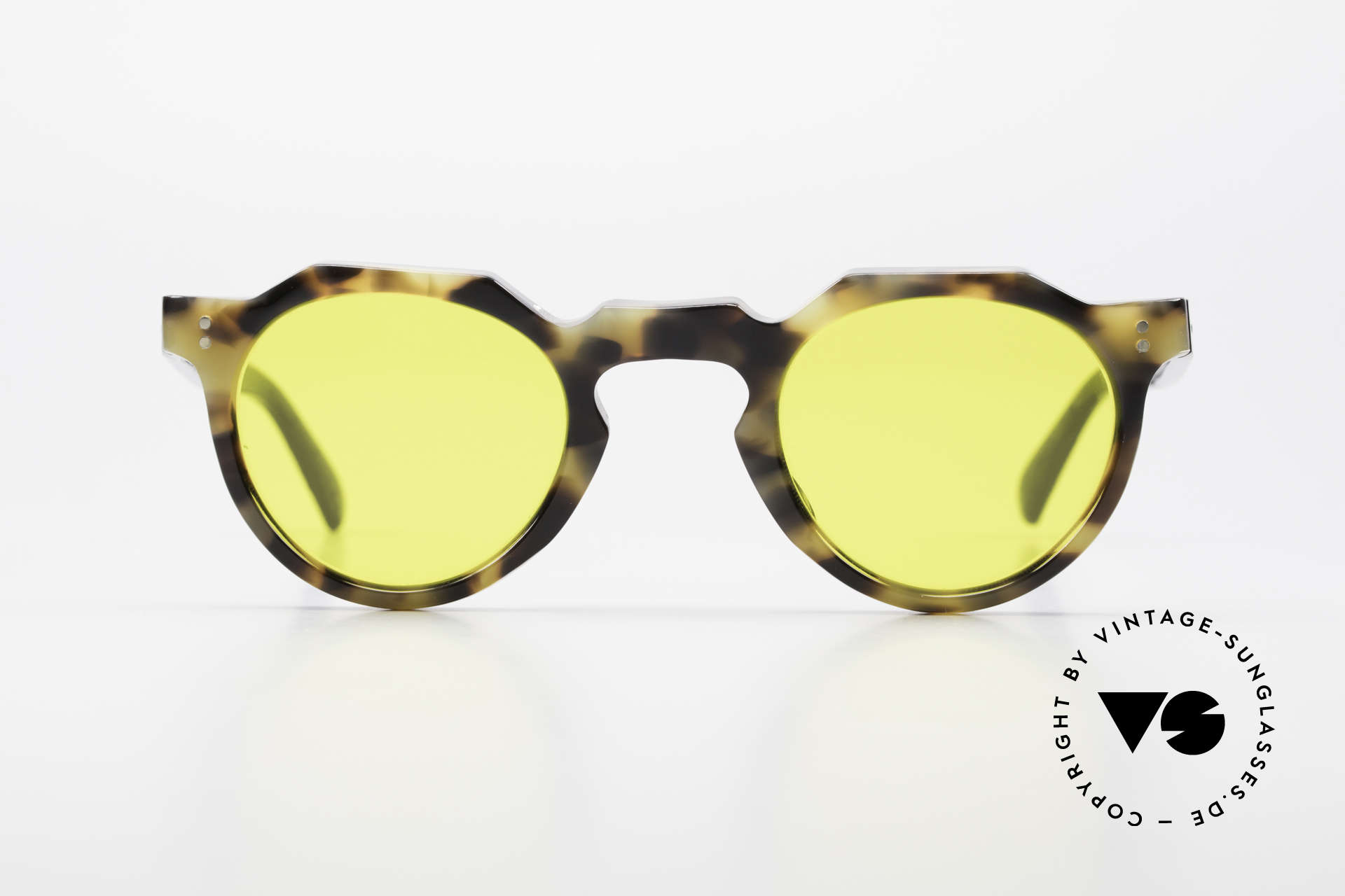 Lesca Panto 6mm 60's Panto Sunglasses France, very massive frame (6mm thick profil); built to last!, Made for Men and Women