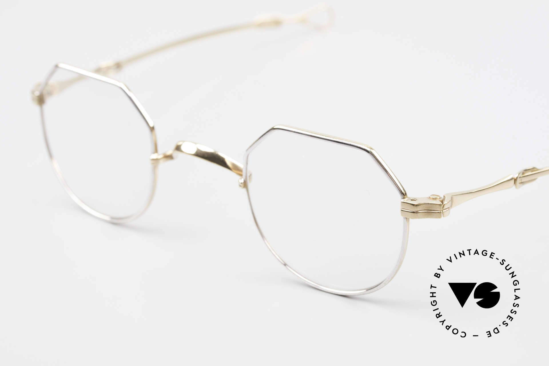 Lunor I 18 Telescopic Glasses With Telescopic Arms, a highlight for all connoisseurs and eyewear lovers, Made for Men and Women