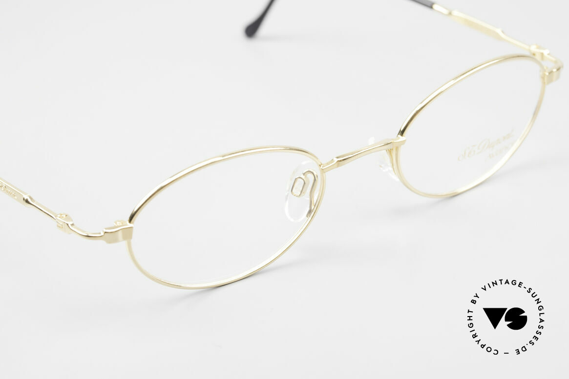 S.T. Dupont D501 Luxury Gold Plated Frame Oval, unworn (like all our rare vintage frames by S.T. Dupont), Made for Men and Women