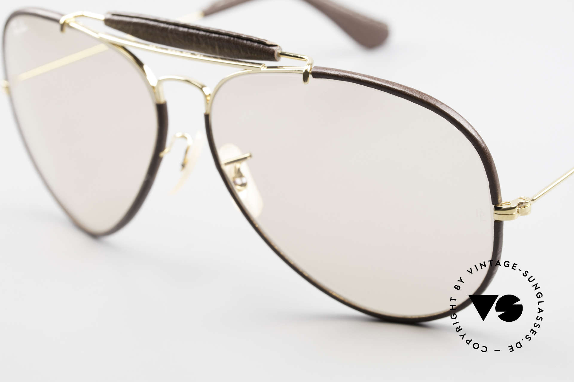 Ray Ban Outdoorsman II Changeable Leathers Shades, changeable lens: darker in the sun & lighter in the shade, Made for Men