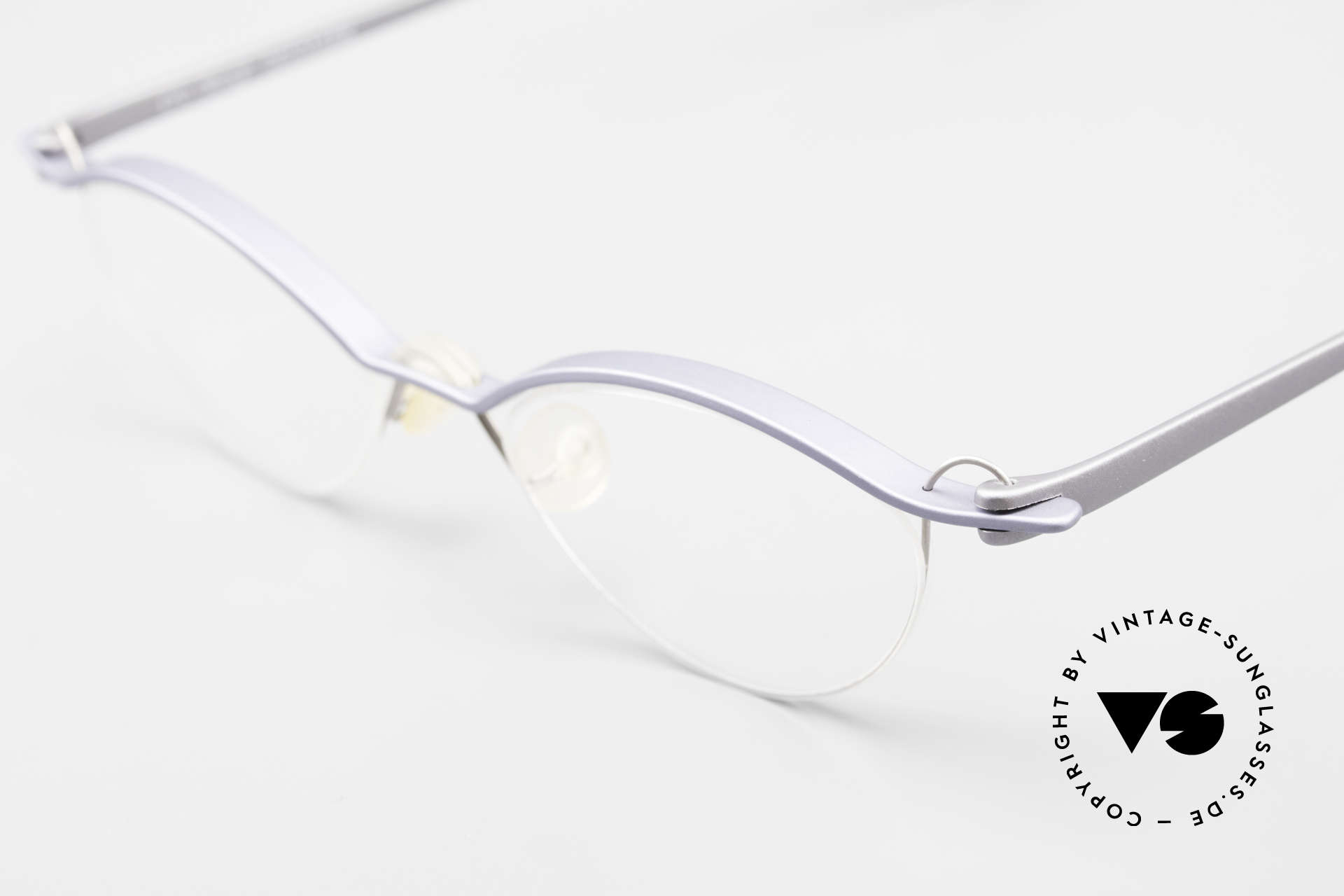 ProDesign No26 Aluminium Gail Spence Frame, distinctively GAIL SPENCE (specs for design lovers), Made for Men and Women