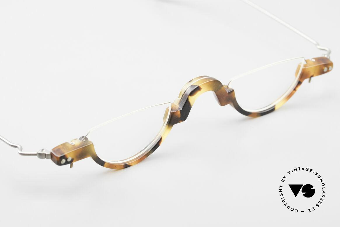 MDG Bauhaus 5010 Minimalist Reading Glasses 90s, unworn (like all our vintage Bauhaus style eyeglasses), Made for Men