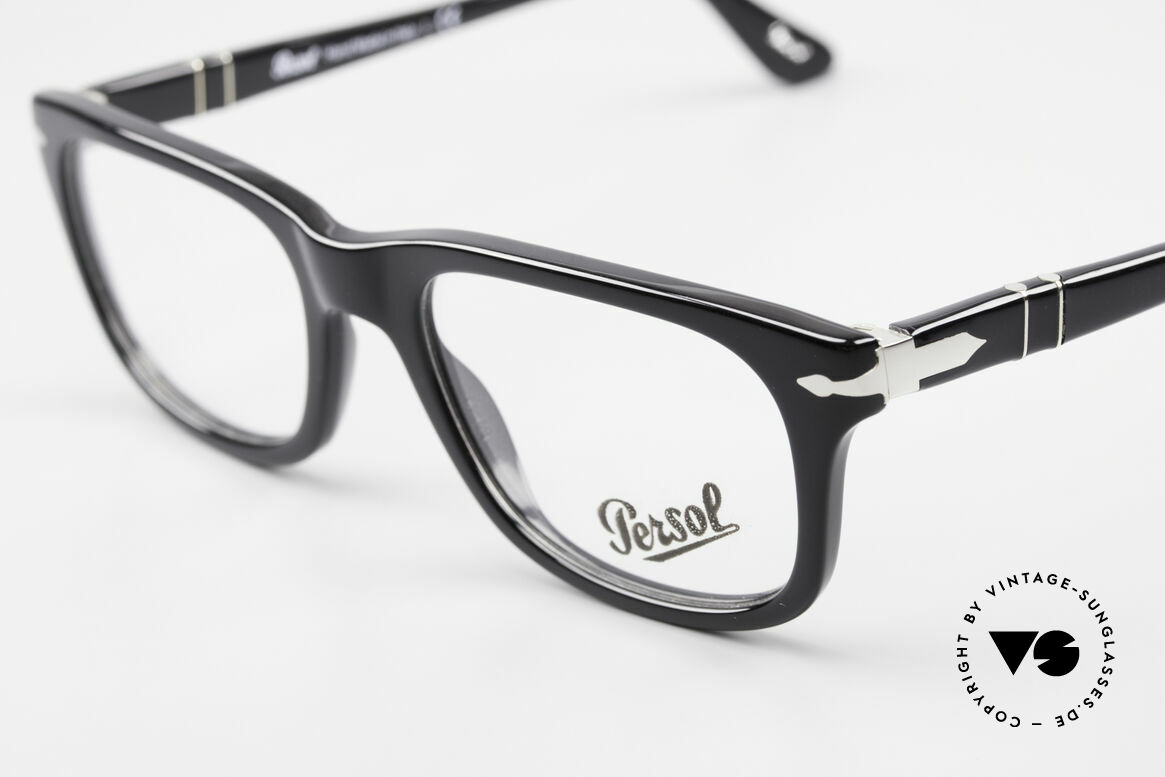 Persol 3029 Striking Persol Glasses Unisex, DEMOS can be replaced with lenses of any kind, Made for Men and Women