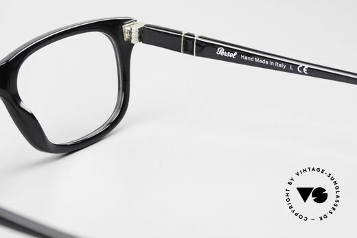 Persol 3029 Striking Persol Glasses Unisex, timeless classic frame coloring in black / silver, Made for Men and Women