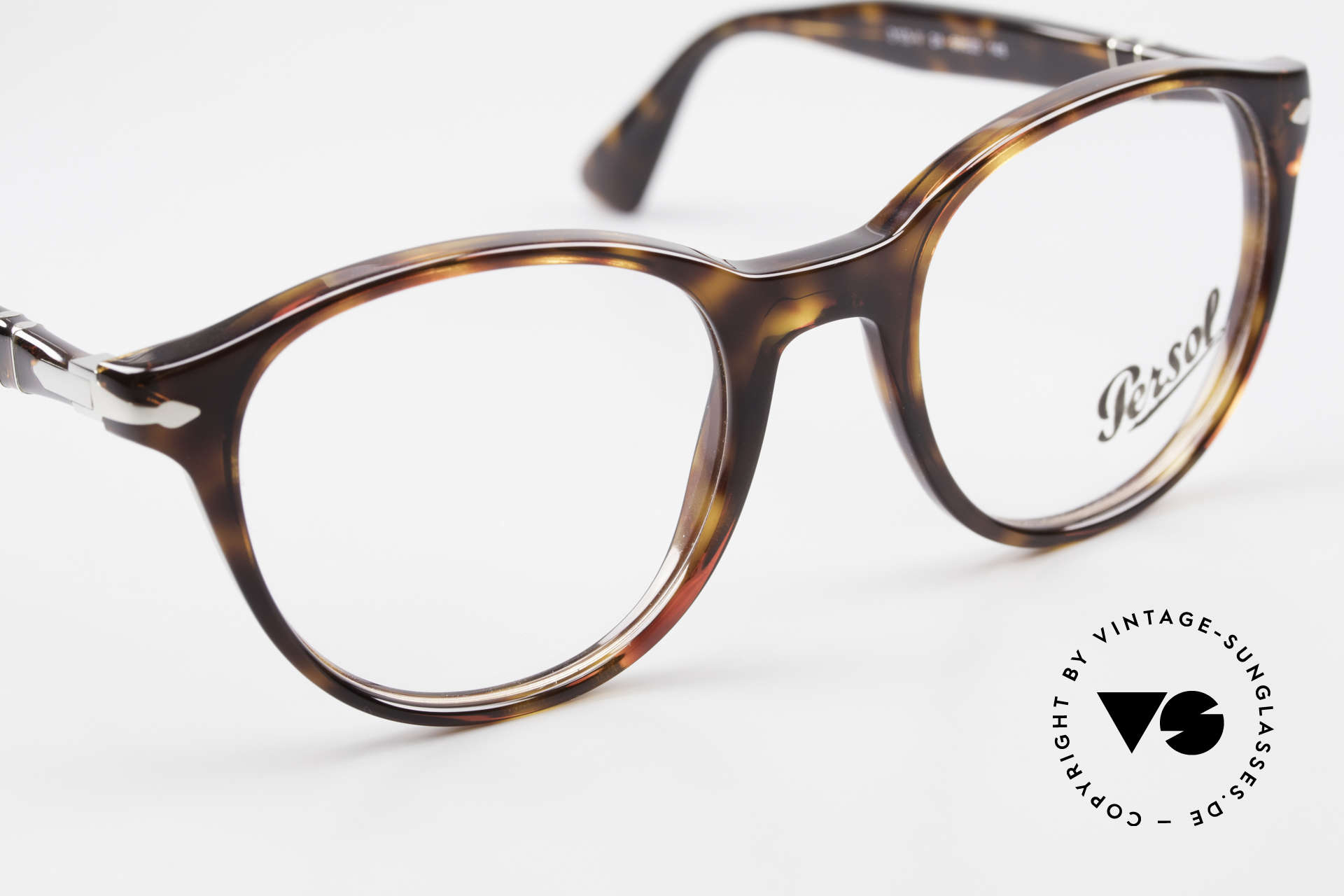 Persol 3153 Timeless Panto Unisex Frame, reissue of the old vintage Persol RATTI models, Made for Men and Women