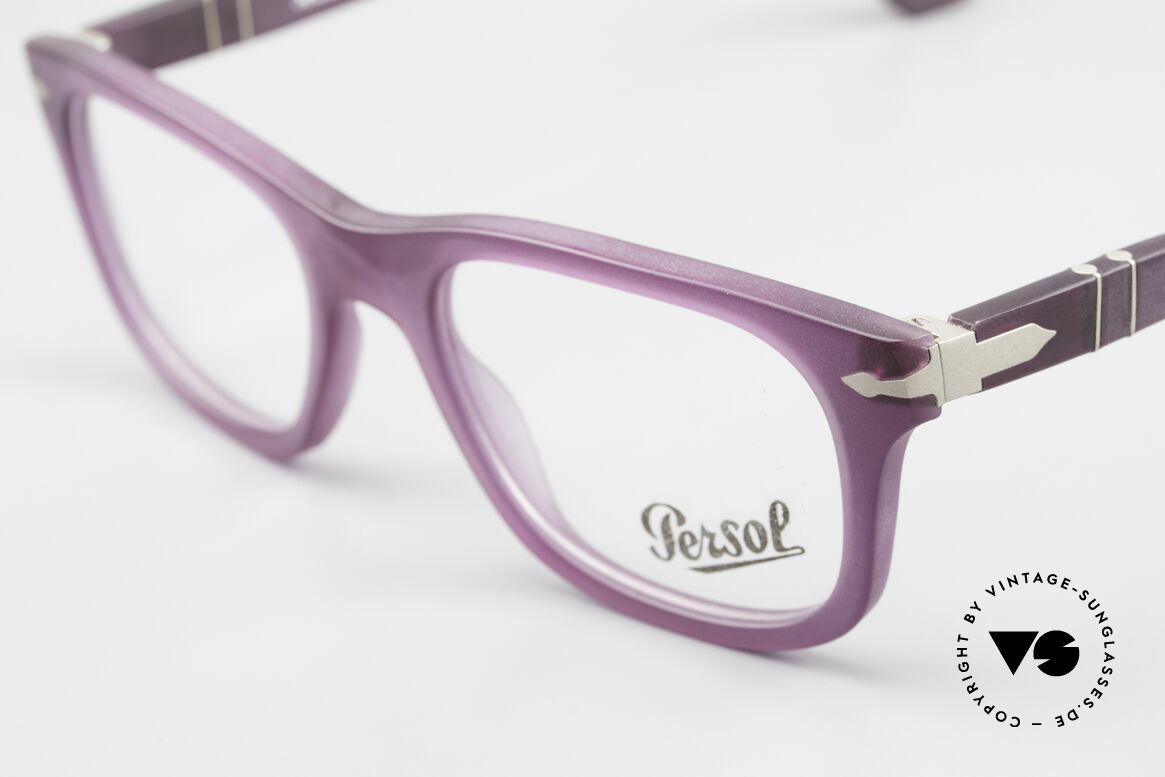 Persol 3029 Ladies Glasses Purple Violet, reissue of the old vintage Persol RATTI models, Made for Women