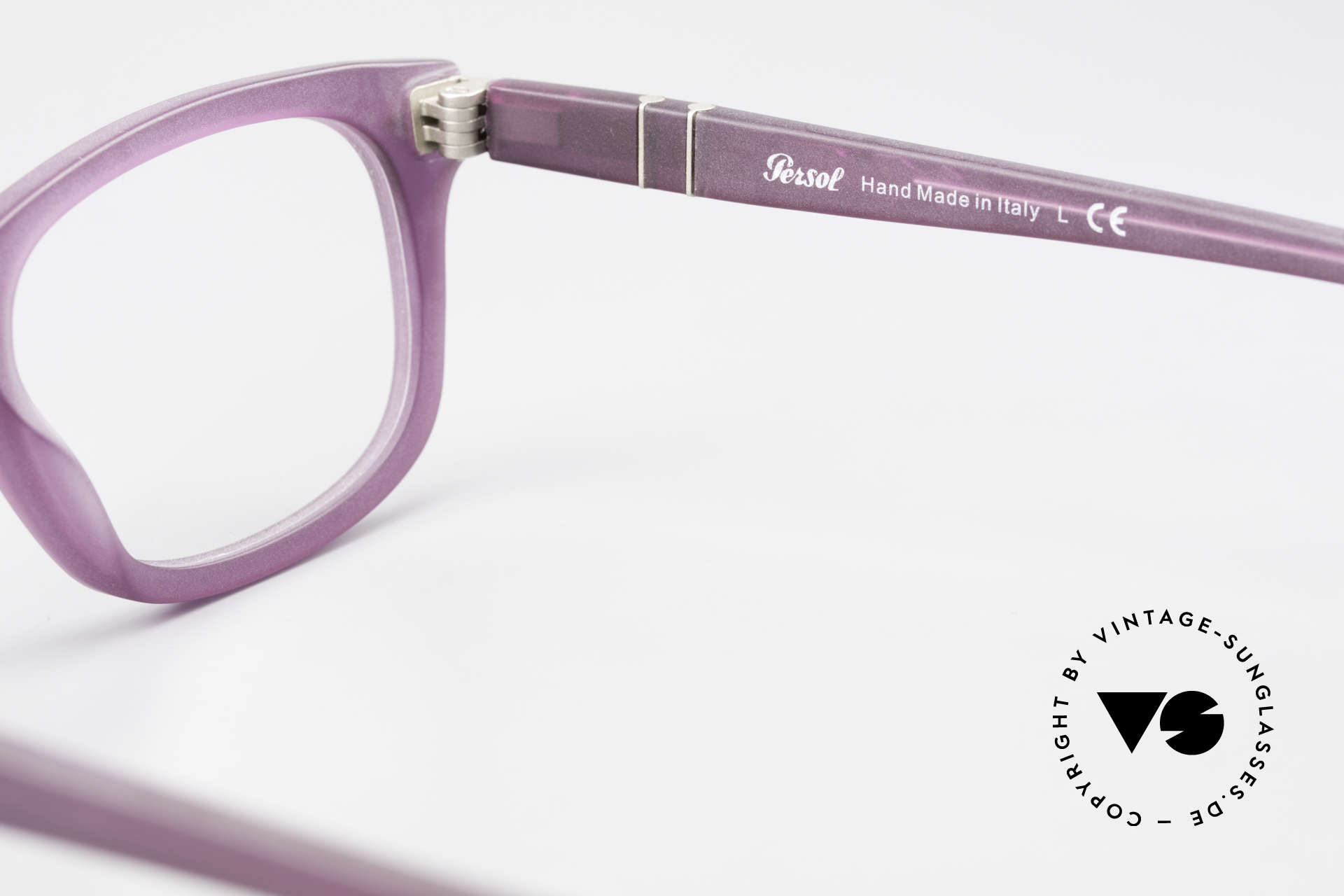 Persol 3029 Ladies Glasses Purple Violet, rather a ladies model (thanks to the coloring), Made for Women