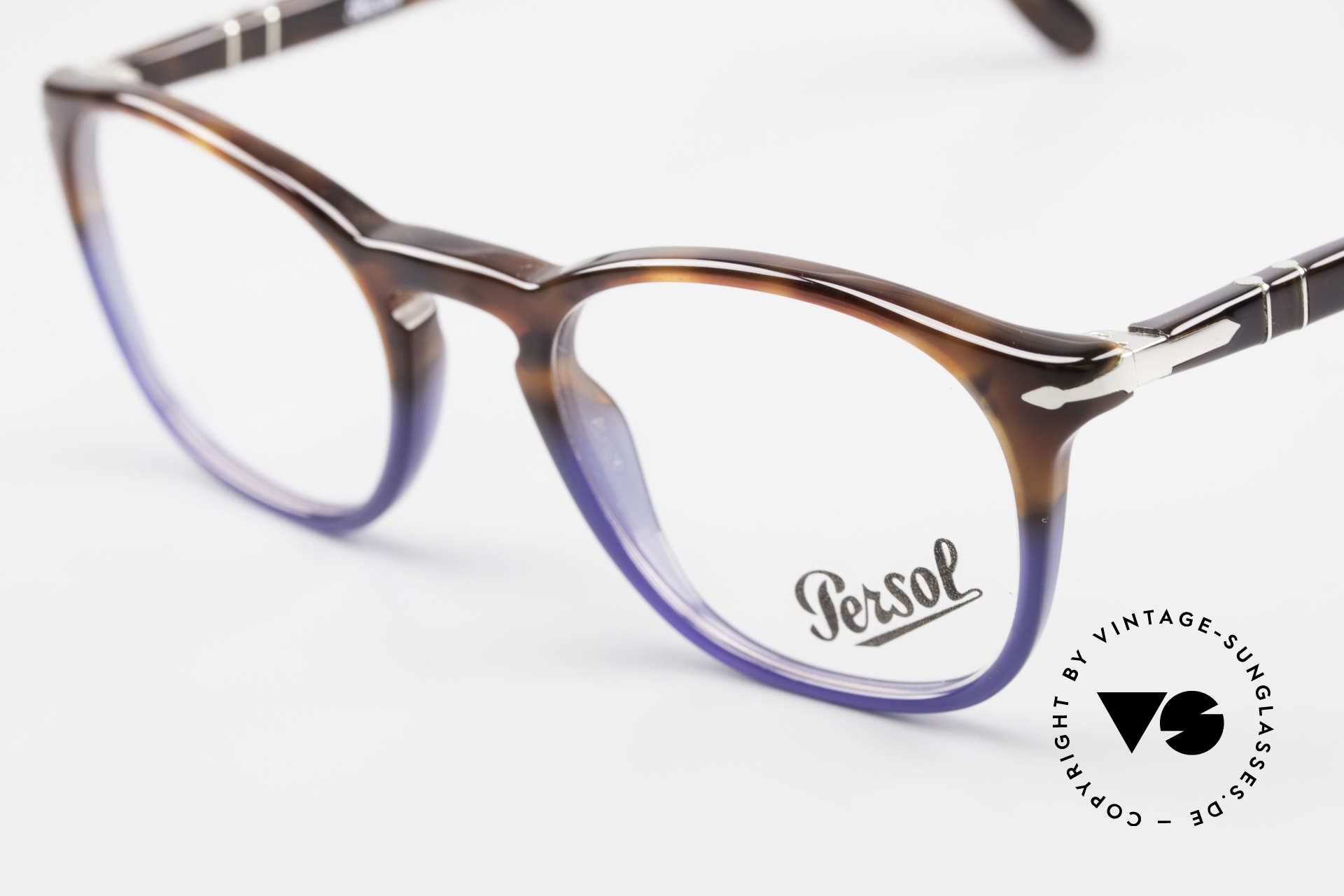 Persol 3007 Terrae Oceano Edition Small, reissue of the old vintage Persol RATTI models, Made for Men and Women