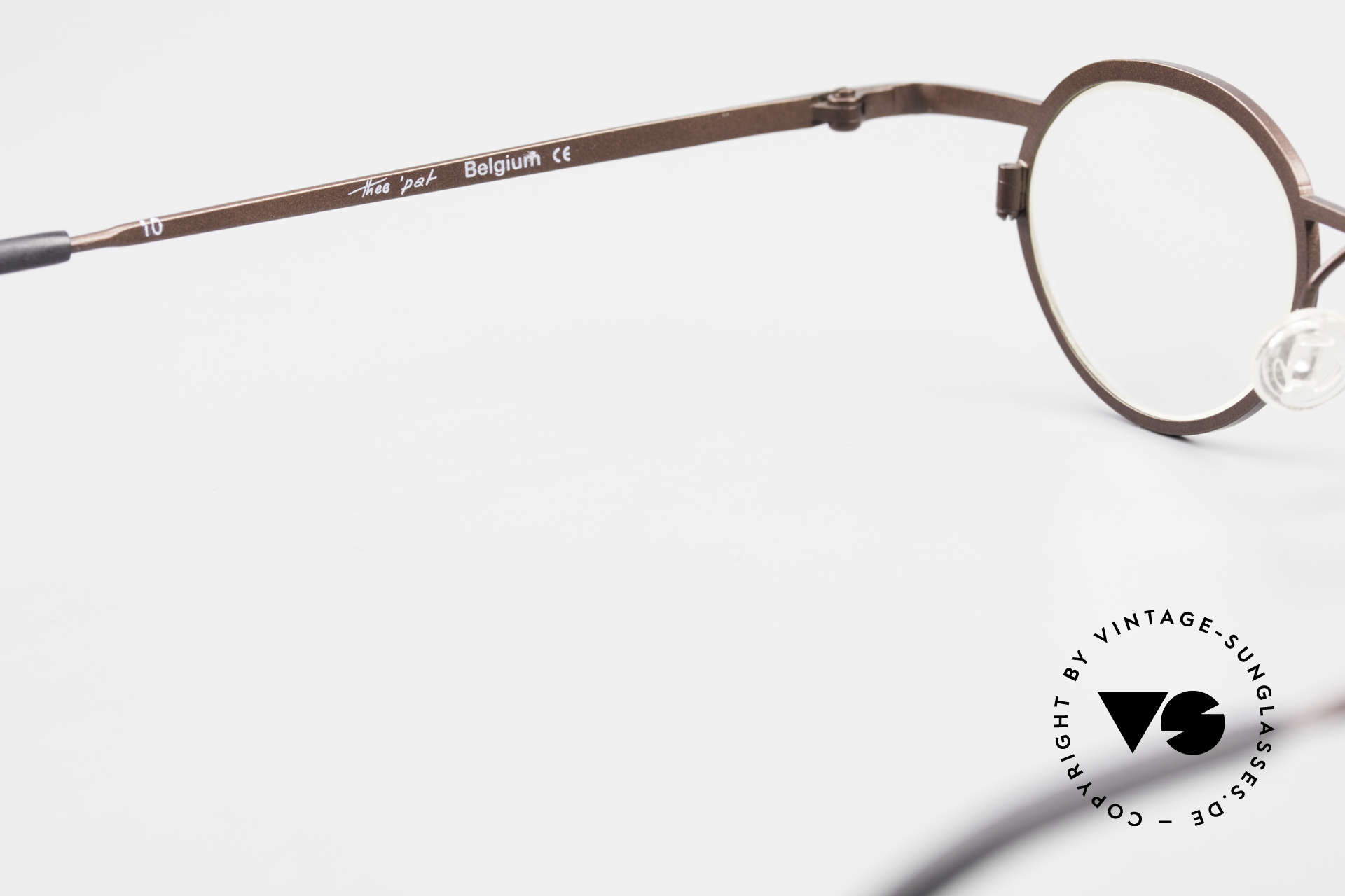 Theo Belgium Pat Avant-Garde Vintage Specs 90s, the demos lenses should be replaced with prescriptions, Made for Men and Women