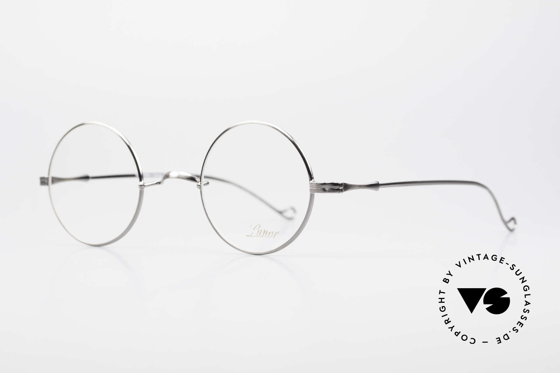 Lunor II 23 Round Frame Antique Silver, circular frame design in M size 42mm with a W bridge, Made for Men and Women