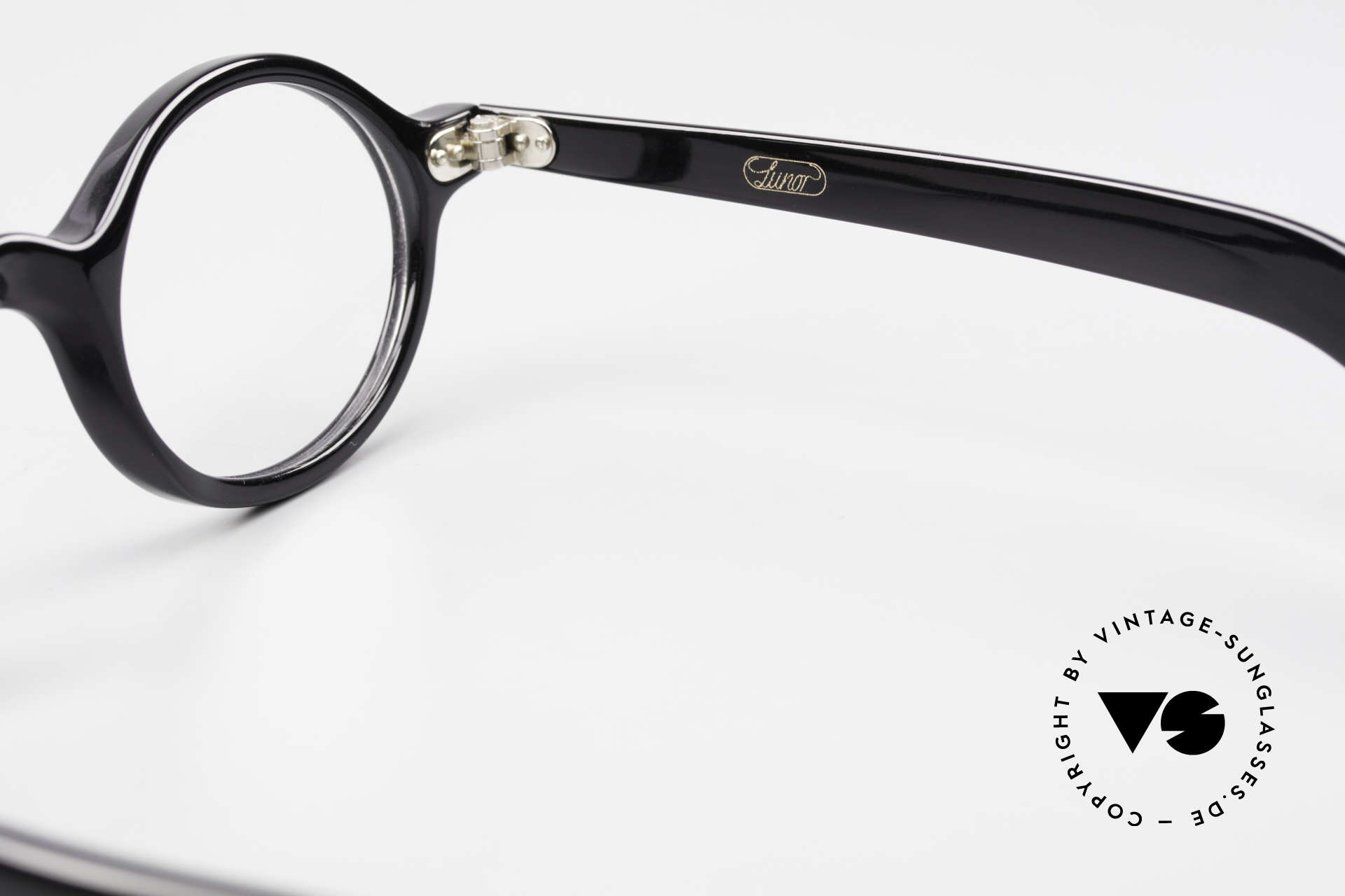 Lunor A52 Oval Eyeglasses Black Acetate, Size: medium, Made for Men and Women