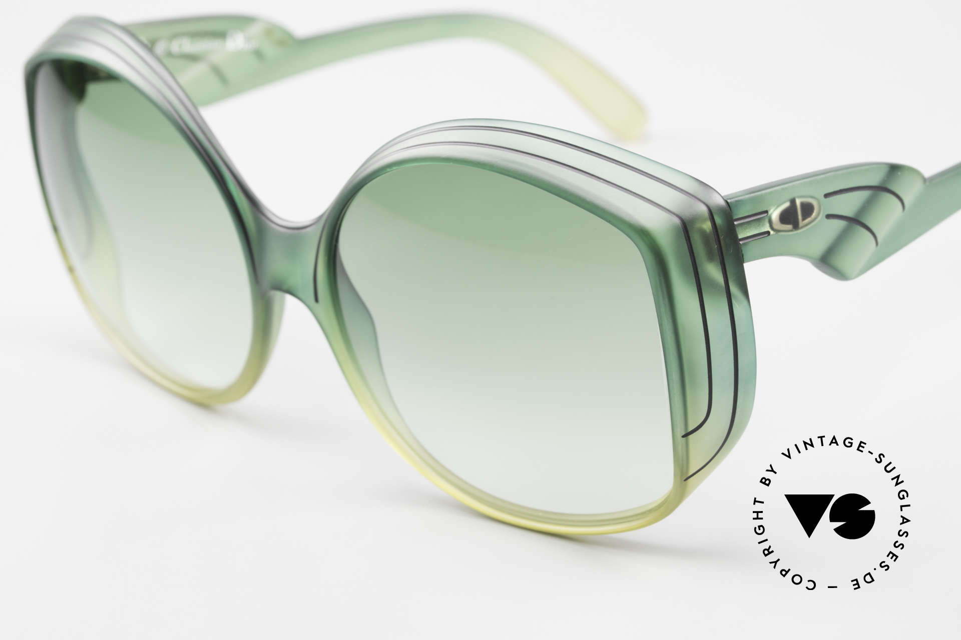Christian Dior 2041 XXL 1970's Ladies Sunglasses, made of unbelievable Optyl material with 'mystic effect', Made for Women