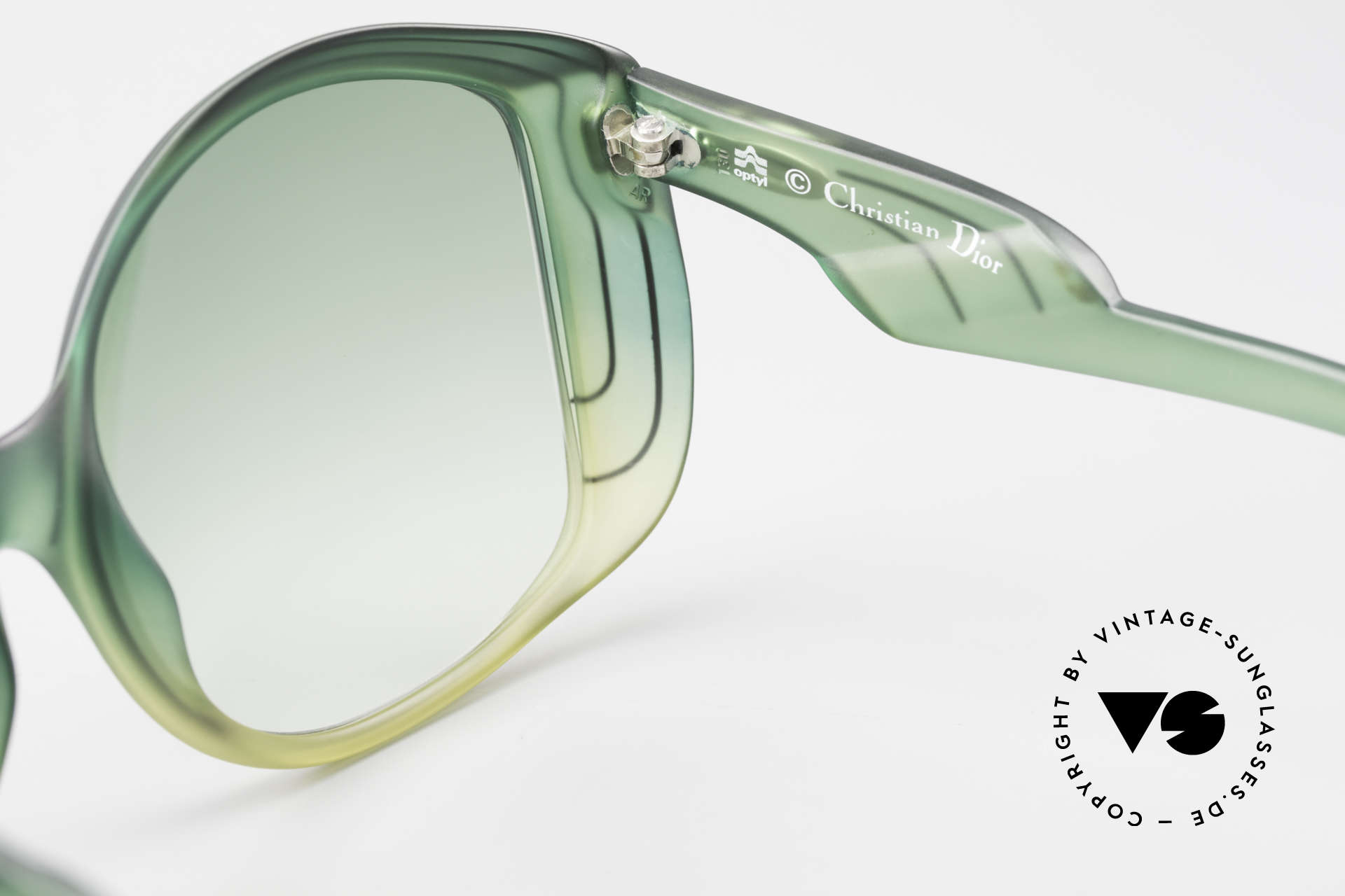 Christian Dior 2041 XXL 1970's Ladies Sunglasses, NO RETRO shades, but an unworn 40 years old original, Made for Women