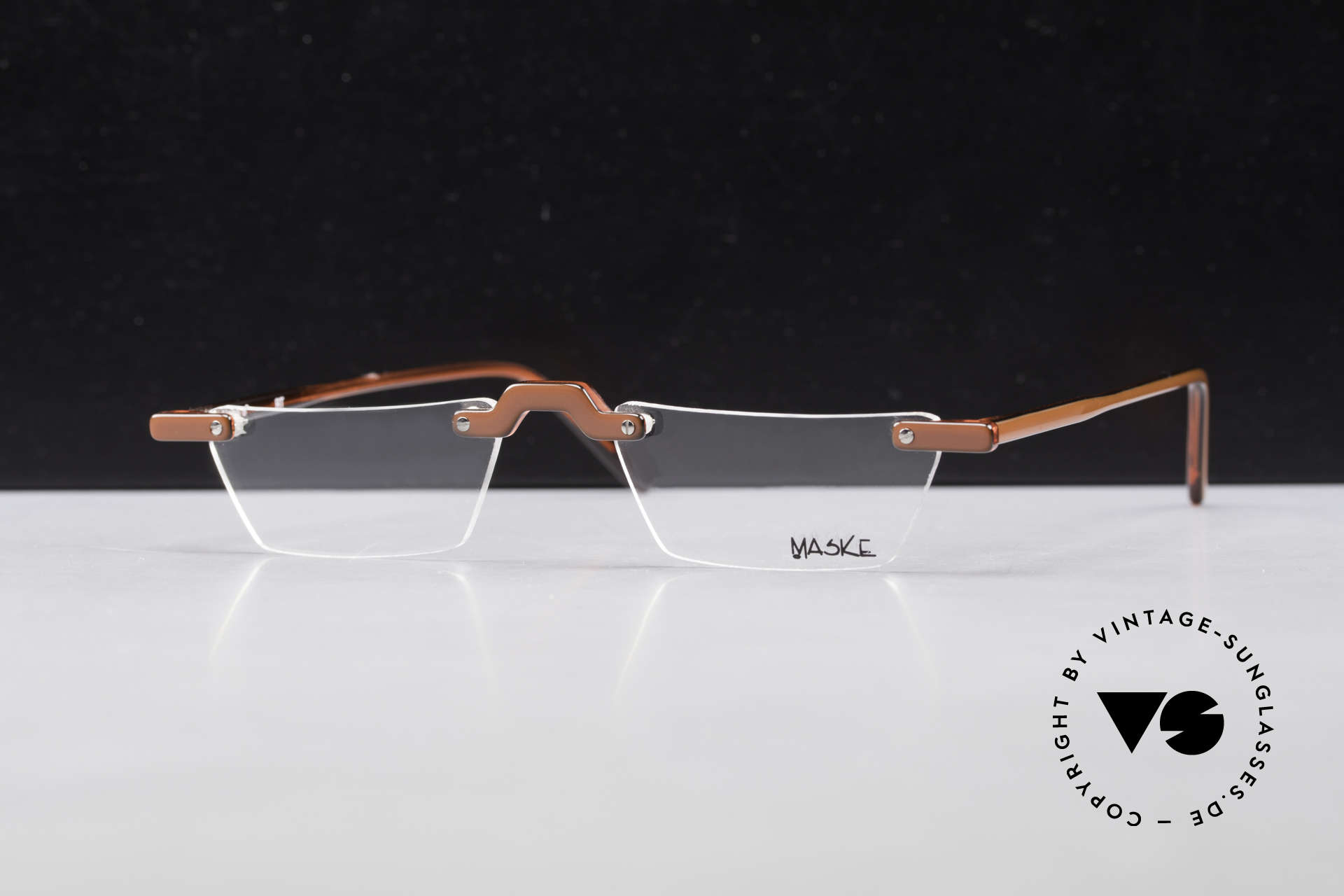 Design Maske Berlin Alpha 8 90's Designer Reading Glasses, functional and EYE-CATCHING, at the same time, Made for Men and Women