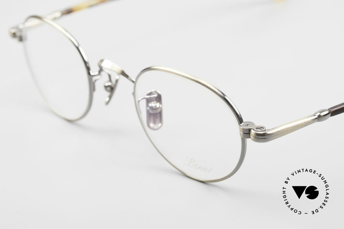 Lunor VA 107 Panto Style Antique Gold AG, model VA 107 = acetate-metal temples & titanium pads, Made for Men and Women