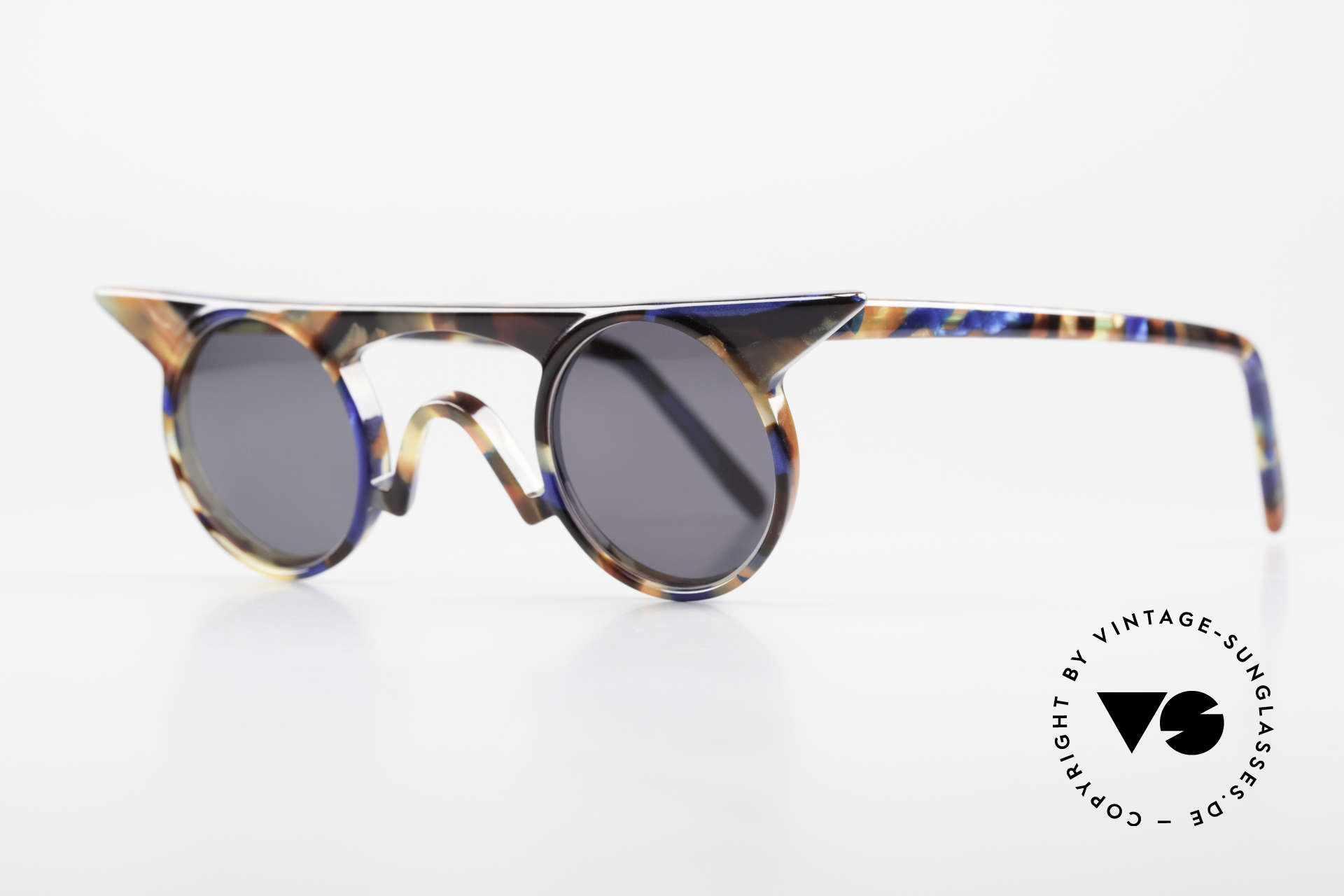 Design Maske Berlin Jason Artful Vintage Sunglasses 90s, functional and EYE-CATCHING, at the same time, Made for Women