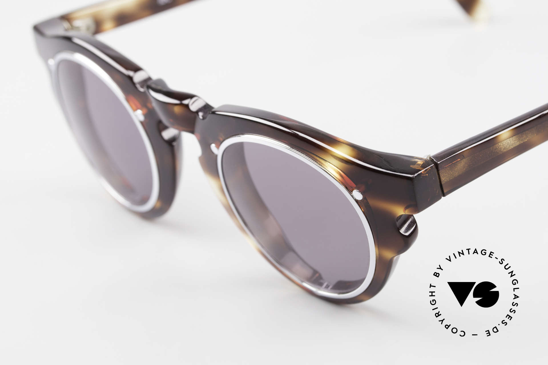 IDC 768 True Vintage Panto Sunglasses, extraordinary design details: naturally vintage IDC, Made for Men and Women