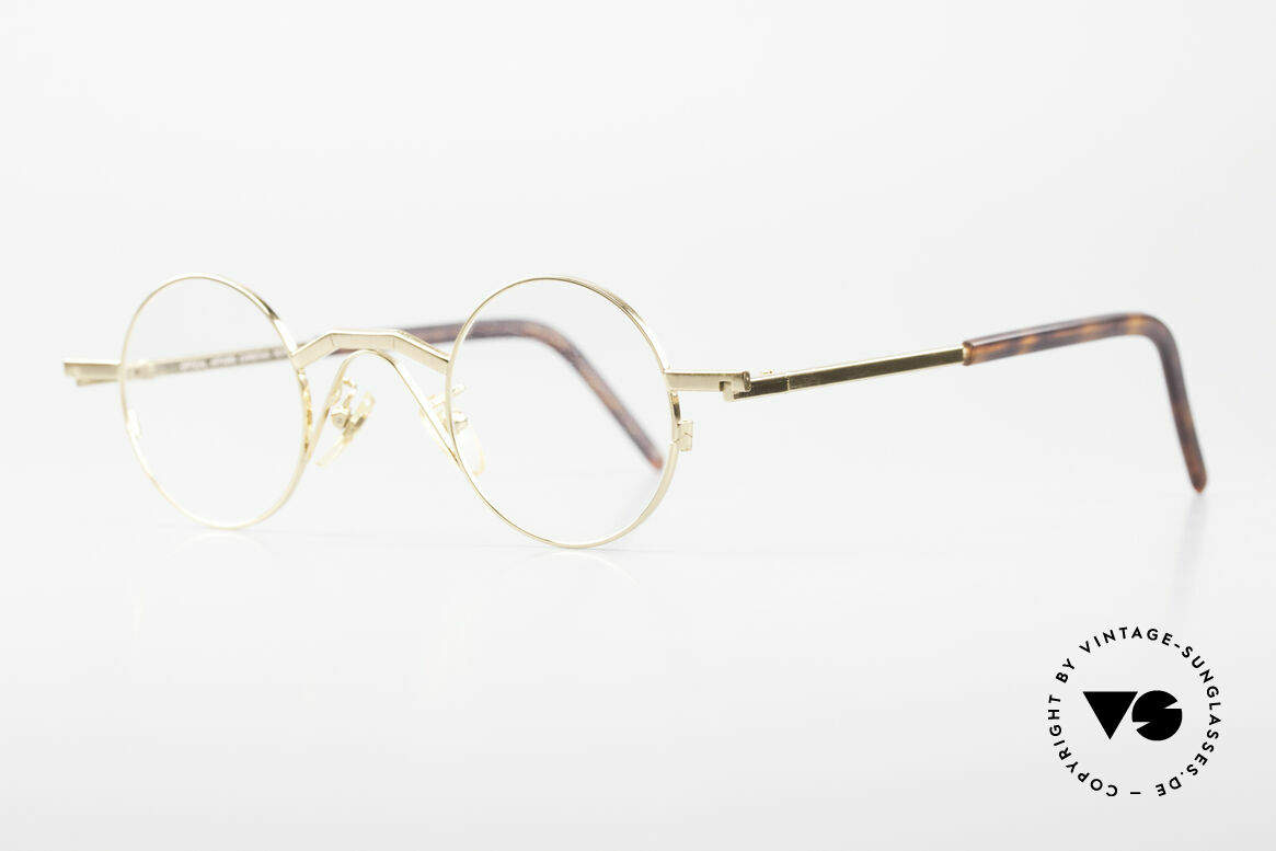 Christian Roth 2502 Round 90's Frame Bauhaus Style, striking round metal frame, handmade in Germany, Made for Men and Women