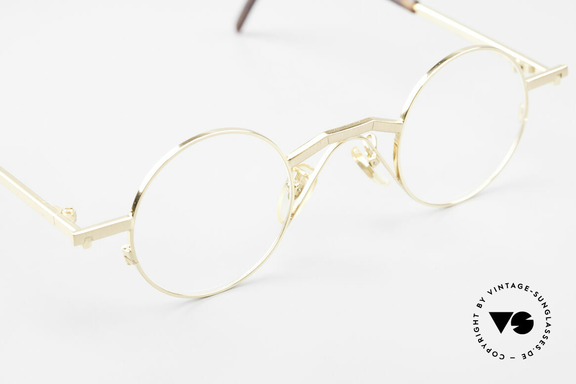 Christian Roth 2502 Round 90's Frame Bauhaus Style, an unworn masterpiece with original DEMO lenses, Made for Men and Women